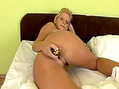 Milf catches cum w mouth after fuck