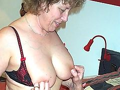 Big titted mature slut doing her boyfriend