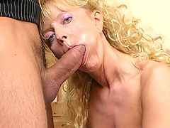 kinky housewife who loves to suck cock and fuck hard