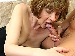 This horny mama loves the taste of cum