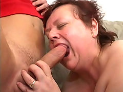 Plump GILF gets her cunt pleased with dildo and cock