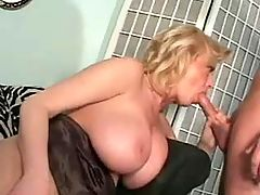 Hot mature sucks n gets black cock