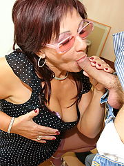 Kinky mature slut taking on a hot creampie