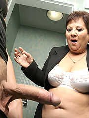 Mature Mariette loves to suck and fuck on a toilet